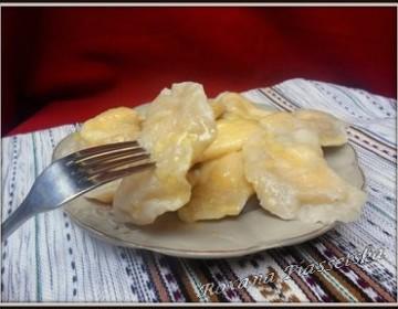 Varènékés-raviolis au fromage blanc – Вареники з сиром