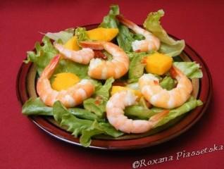 Salade aux gambas et à la mangue – Ensalada de gambas, mango y aguacate