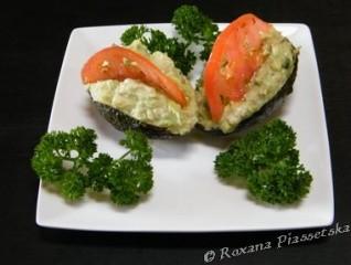Avocat au thon et coulis de coriandre-Aguacate con atun