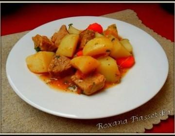Ragoût de porc au pomme de terre – Картопля тушена з м'ясом