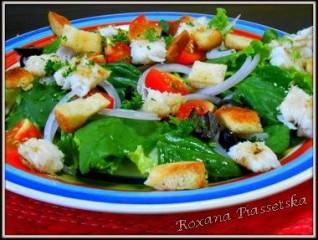 Salade d'épinards au poisson – Салат з шпинату з рибою і сухарями