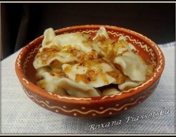 Varènékés-raviolis à la viande – Вареники з м'ясом