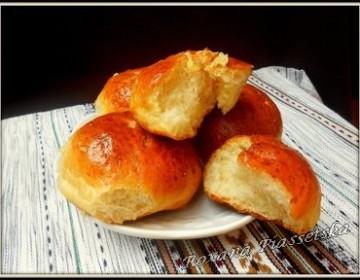 Petits pains à l'ail – Пампушки