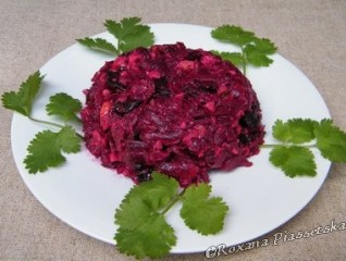 Salade de betteraves aux pruneaux – Салат з буряків з чорносливом