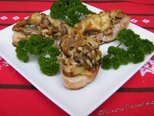 Canapés chauds aux champignons – Гарячі канапки з грибами