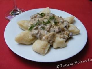 Gnochis à l'Ukrainienne – Картопляні пальчики з грибним соусом