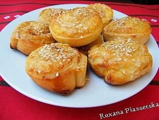 Roulés feuilletés au fromage – Закусочные булочки из слоеного теста