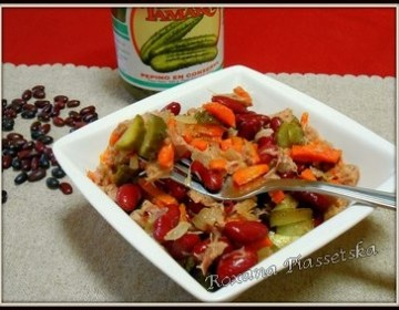 Salade aux haricots rouges et thon – Пістний салат з червоної квасолі